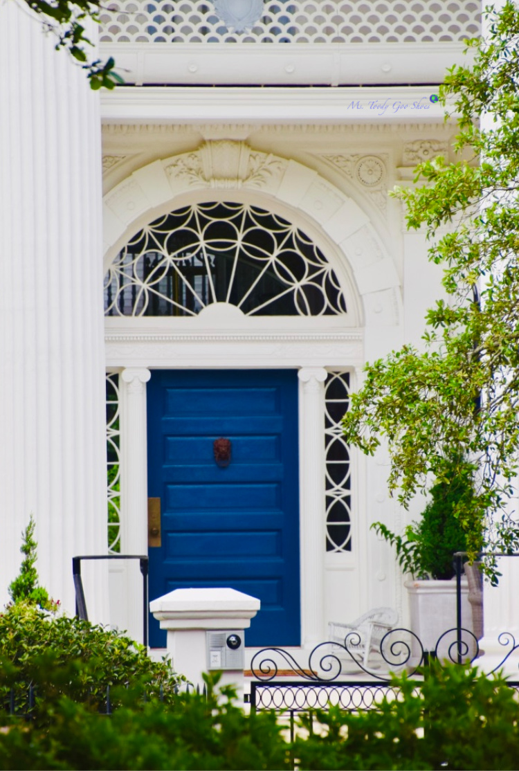Go on a treasure hunt in Charleston, SC to see how many colorful doors you can find | Ms. Toody Goo Shoes