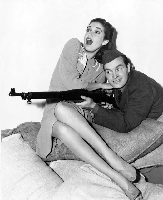 1941. Dorothy Lamour, Bob Hope - Caught in the draft