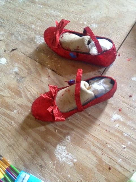 58da9dfe728cac Glittering Shoes is Fun
