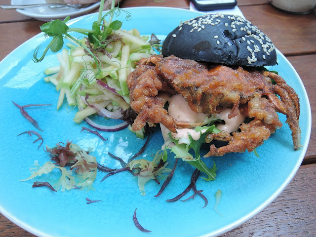 three monkeys place;  soft shell crab;  burger;  cafe;  jacksons square