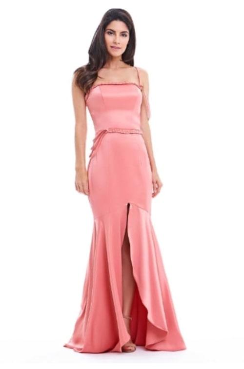 vestido de festa longo rosa pêssego para casamento durante o dia