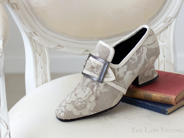 Reproduction: 1770's Cream Shoes