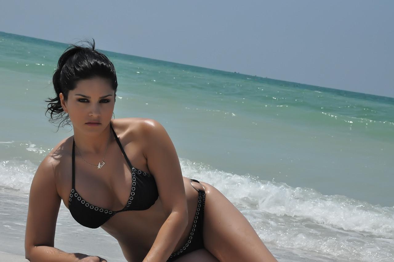 Sunny Leone Xxx Beach
