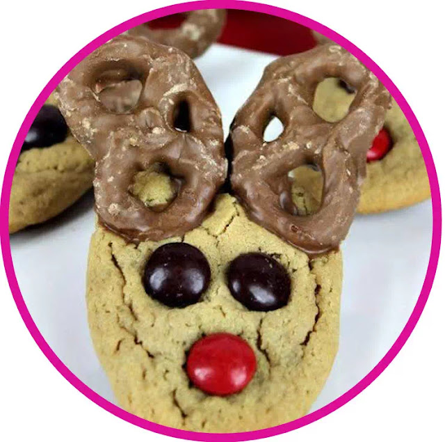 Making Reindeer Pretzel is also quite easy, especially if you make it together with your children when the school holidays have arrived. Create these little Rudolph delights. A great treat for all Holiday parties for adults and children alike.