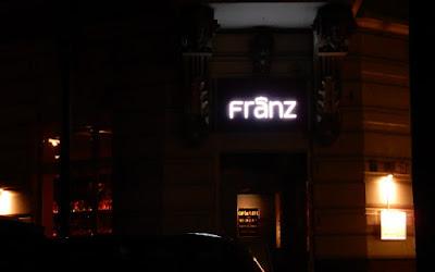 http://www.rp-online.de/nrw/staedte/duesseldorf/stadtteile/flingern/das-nooij-heisst-jetzt-franz-aid-1.6572687