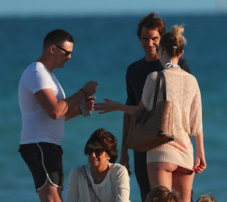 Photos: Roger Federer at the beach in Miami