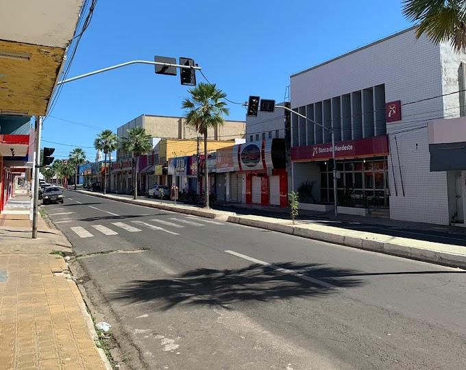 Comércio, bares e praias estarão fechados de terça (30) a domingo (4)