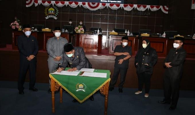 DPRD dan Pemkot Serang Tanda Tangani Enam Raperda