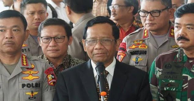 Andi Arief Minta Mahfud Berhenti Dengarkan Jenderal Tua yang Menyesatkan