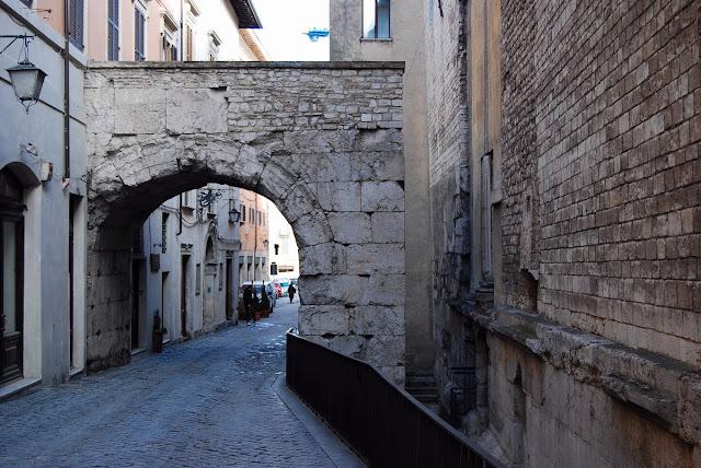 L'arc de Drusus ouvrait sur le forum