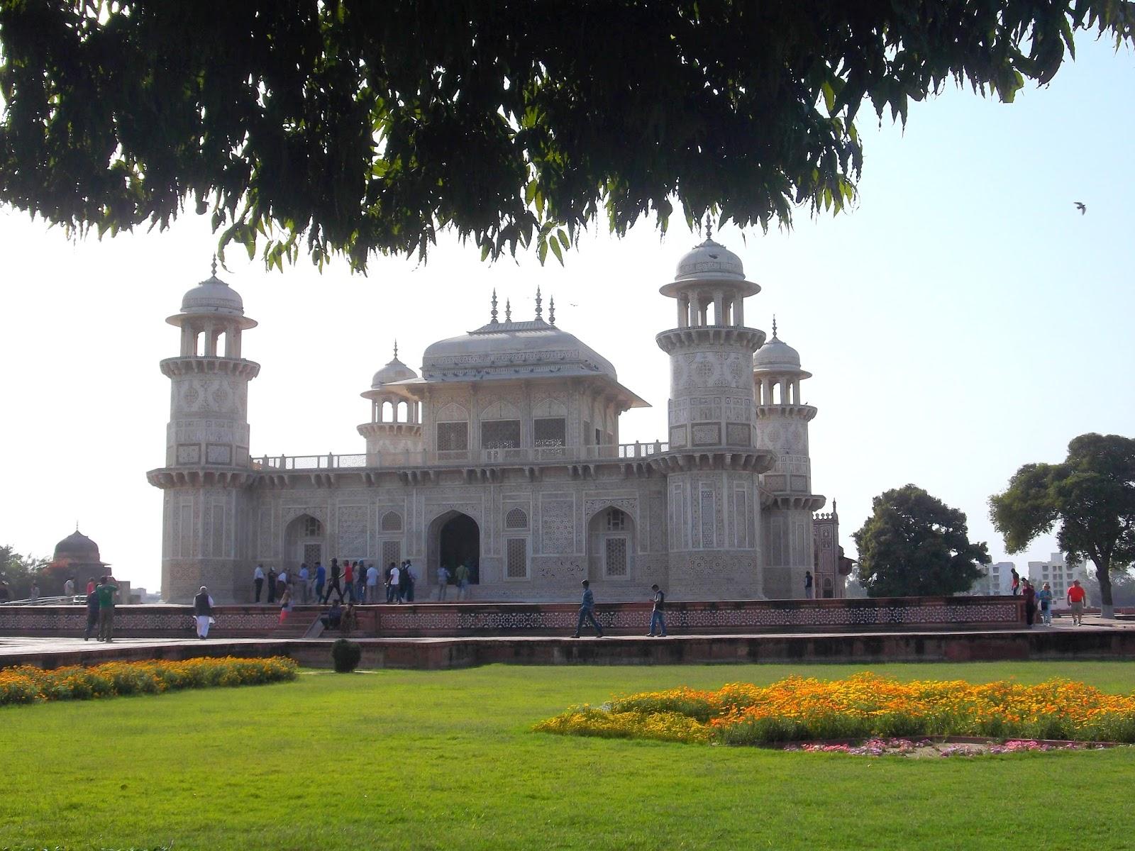 jouljet: The Baby Taj