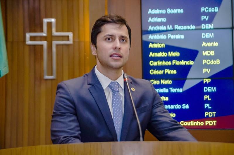 Duarte Jr protocola Ação Civil Pública para garantir descontos nas faculdades