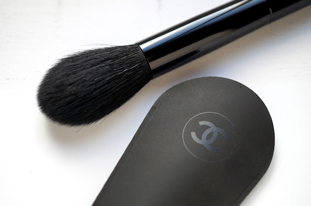 Les Pinceaux De Chanel 'Precision Powder Brush'