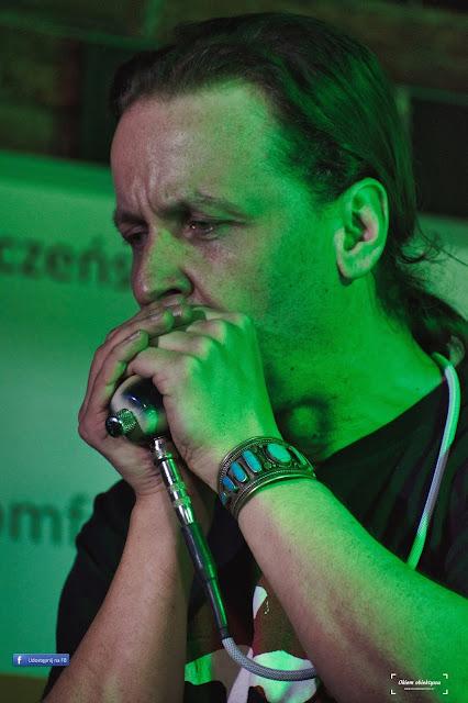Michał Kielak – polski muzyk, grający na harmonijce ustnej