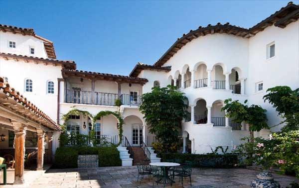 rumah gaya mansion