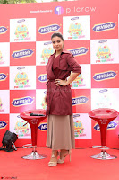Kajol Looks super cute at the Launch of a New product McVites on 1st April 2017 03.JPG