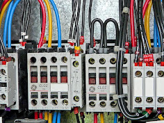 Commercial and industrial electrician in Richmond Hill 647 800 5466