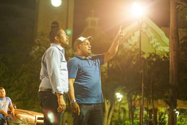 'Y la luz fue'... en el Parque Padilla del Distrito de Riohacha