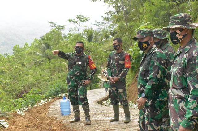 Pastikan Progres Berjalan Baik, Danrem 071/Wijayakusuma Cek TMMD Reguler Banjarnegara