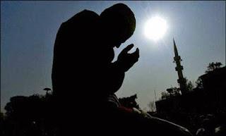 Doa Nurbuat dan Khasiatnya Lengkap Bahasa Arab, Latin dan Artinya