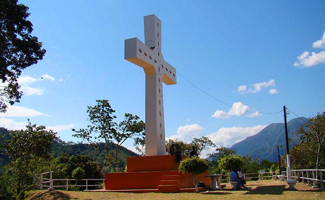 Mirador Gran Cruz De Chanchamayo Circuitos Turisticos En La Merced