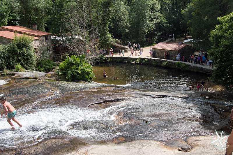 Vista de los toboganes naturales de Ria Barosa