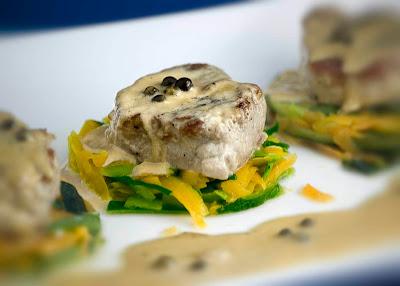 receta de solomillo de cerdo iberico con  salsa de pimienta verde especialidad cocina francesa