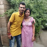 yuzvendra chahal with here mother