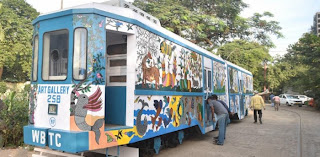 art-gallery-in-kolkata-on-tram