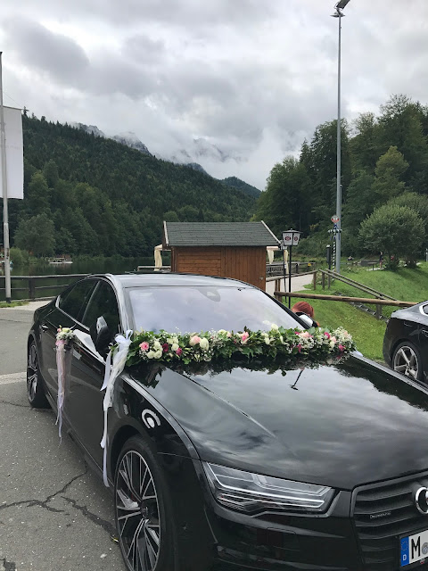 Brautauto, Hochzeit, , Riessersee Hotel, Garmisch-Partenkirchen, Bayern, Vintage, Rosen, Schleierkraut, Rosa, Pink, See und Berge