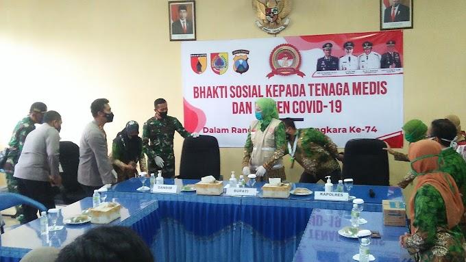 Hari Bhayangkara Ke 74 Kapolres Bersama Dandim 0824, Dan Bupati Berikan Hadiah Di Paramedis dr Soebandi.