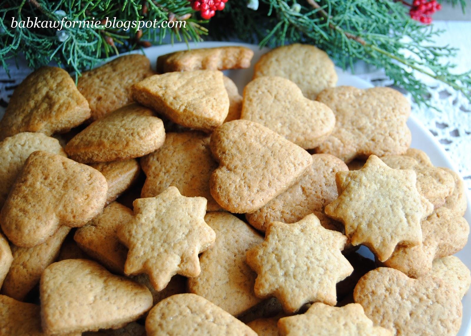 tradycyjne pierniczki na Boże Narodzenie miękkie i kruche babkawformie.blogspot.com