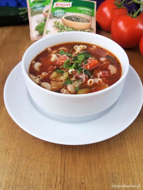Włoska zupa pomidorowo-jarzynowa Minestrone przepis