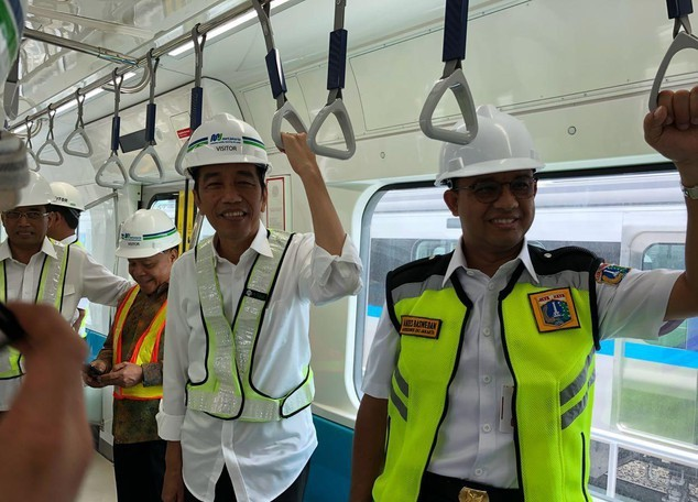Tak Terintegrasi dengan Stasiun MRT, Anies Soroti Rute Transjakarta Koridor 13