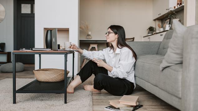 Alasan Suami Nggak Suka Istrinya Cari Duit Dari Rumah