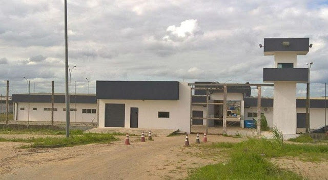 Itaquitinga: Detentos fogem de presídio de segurança máxima