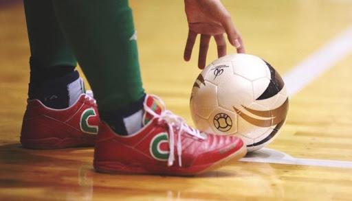 Sepatu Untuk Futsal