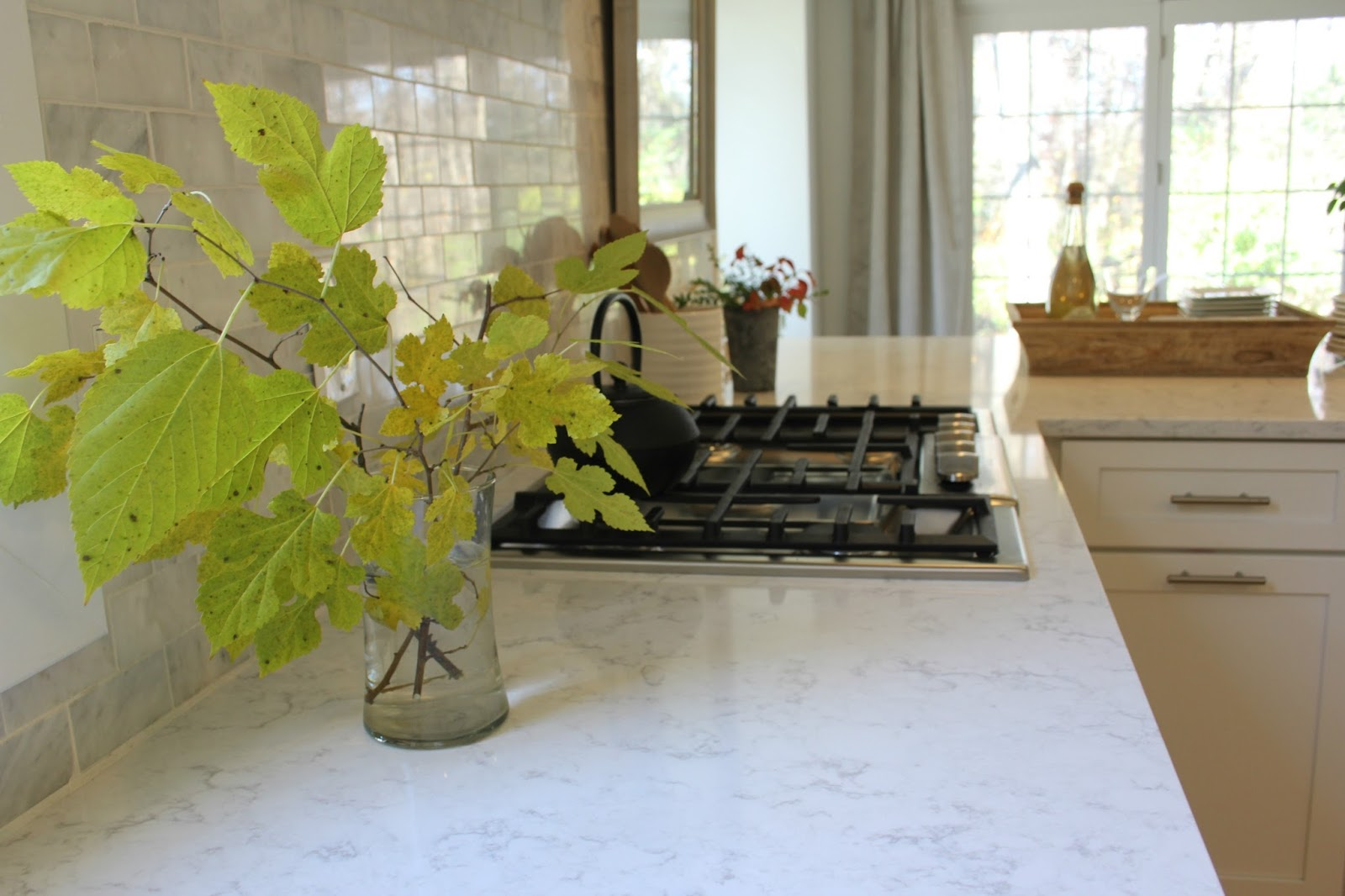 Ideal LG Viatera quartz Minuet countertop white kitchen farmhouse cooktop