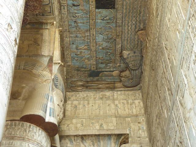 la dea Nut raffigurata sul soffitto della sala ipostila