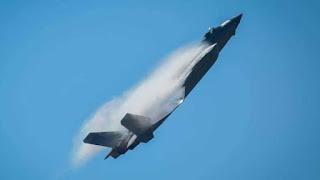 """شاهد ..لحظة تحطم طائرة حربية روسية من طراز """"سو-57"""" (فيديو)"""