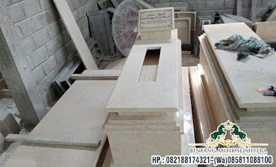 Makam Uje Marmer Tulungagung