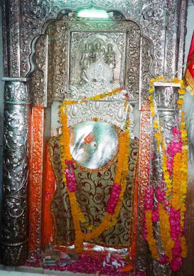Idol at Pracheen Hanuman Mandir