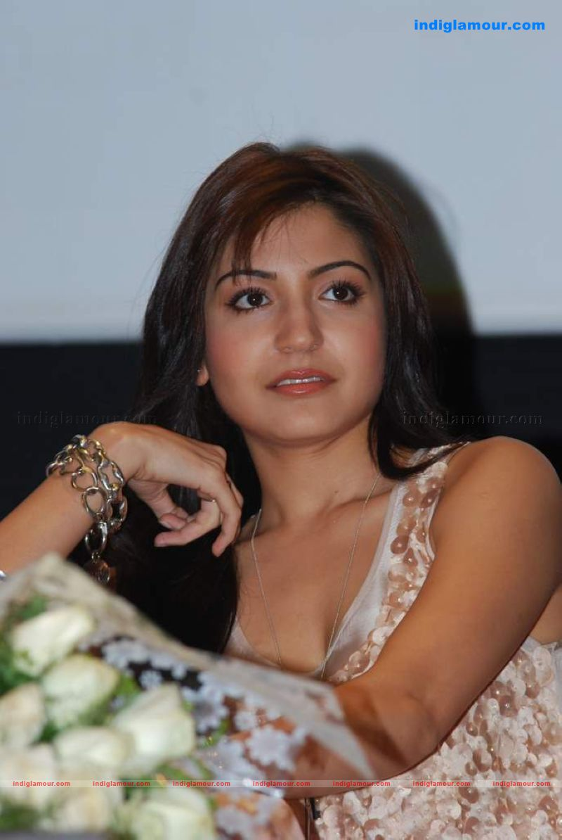 Anushka Sharma Hot Sexy Photo