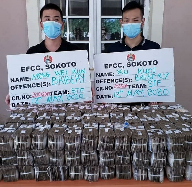 See what some top officers of EFCC in sokoto zone did after being bribed with N100m by two Chinese