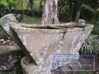 losung atau lesung di pulau pardopur atau pulau sibandang yang diterbangkan dari pulau samosir