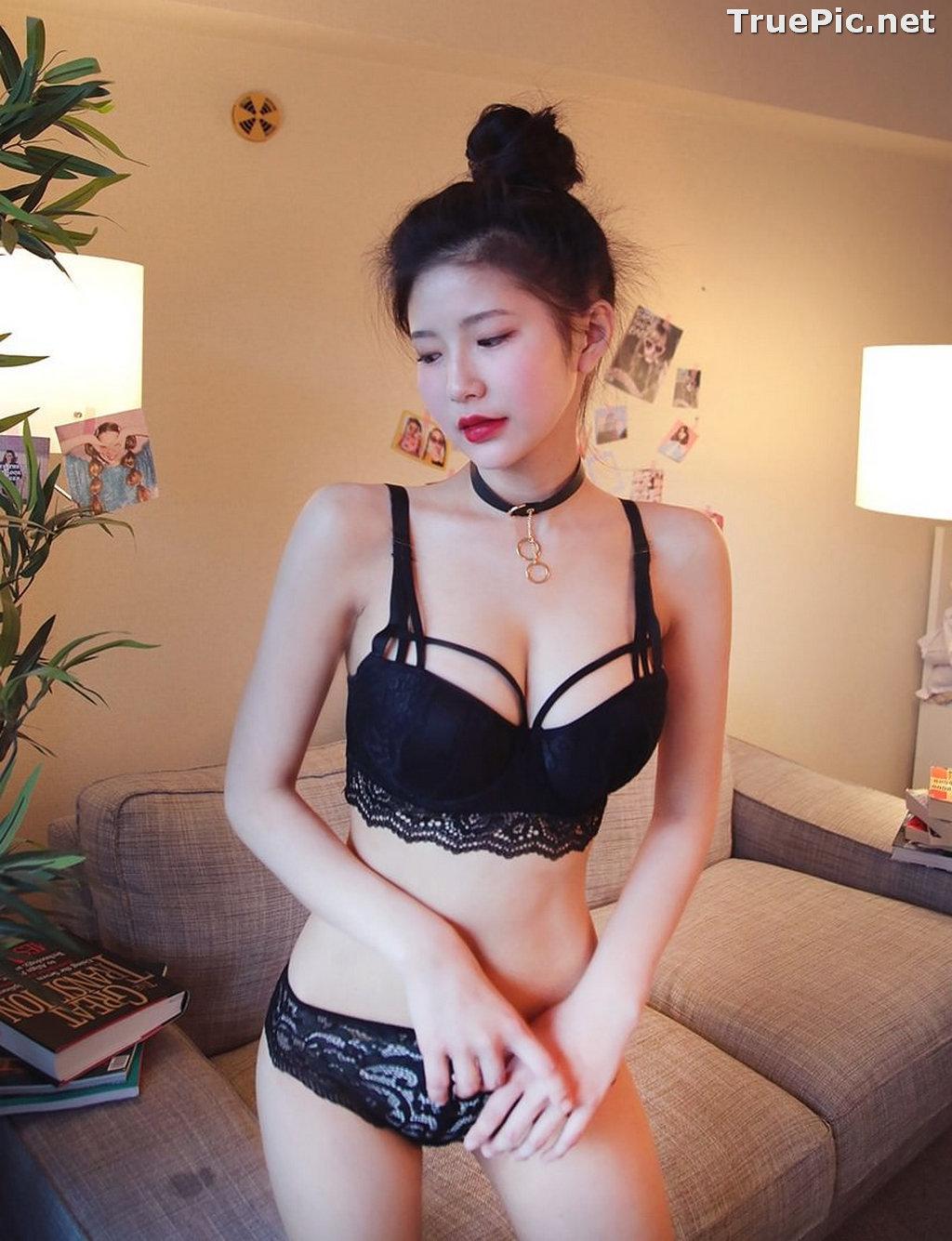 Image Korean Fashion Model - Asaki - Black and White Lingerie Set - TruePic.net - Picture-8