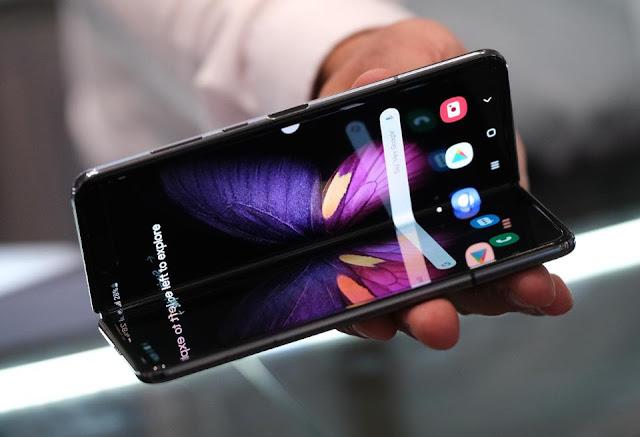 كم هو عدد المرات التي يمكنك فيها طي هاتف Galaxy Fold بدون أن ينكسر ؟ تجربة في هذا الفيديو تجيب على هذا السؤال