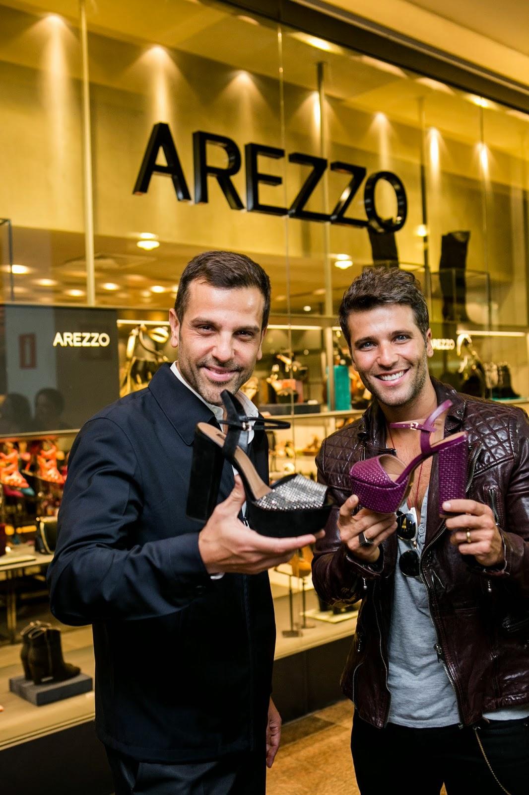 971c72067 Notícias Daqui e Dali: Arezzo reabre loja no Pátio Savassi com área ...