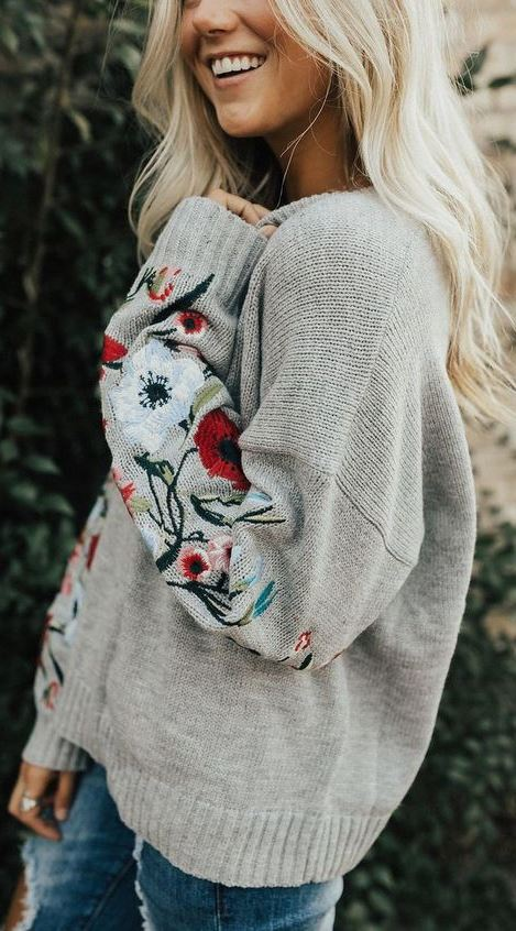 Everdeen Embroidered Sweater in Grey