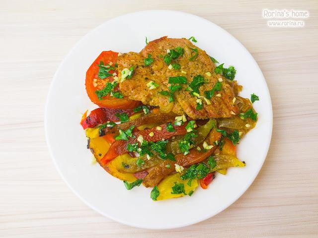 Болгарский перец с отбивной из свинины